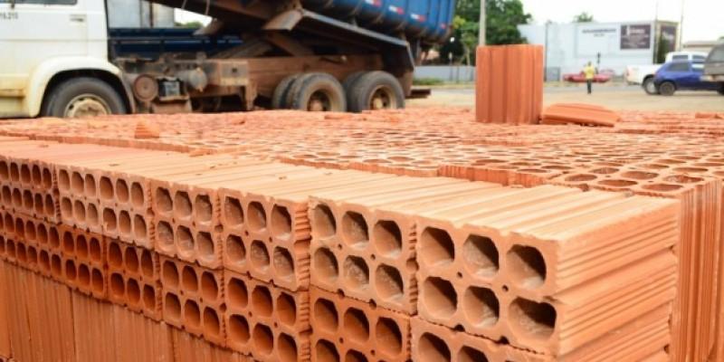 Custo alto no material de construção deve se manter até 2021