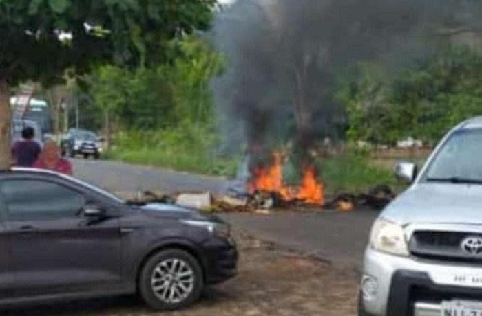 Após três dias sem energia elétrica moradores interditam PI-113