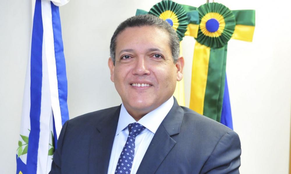 Piauiense Kassio Nunes toma posse como ministro do STF