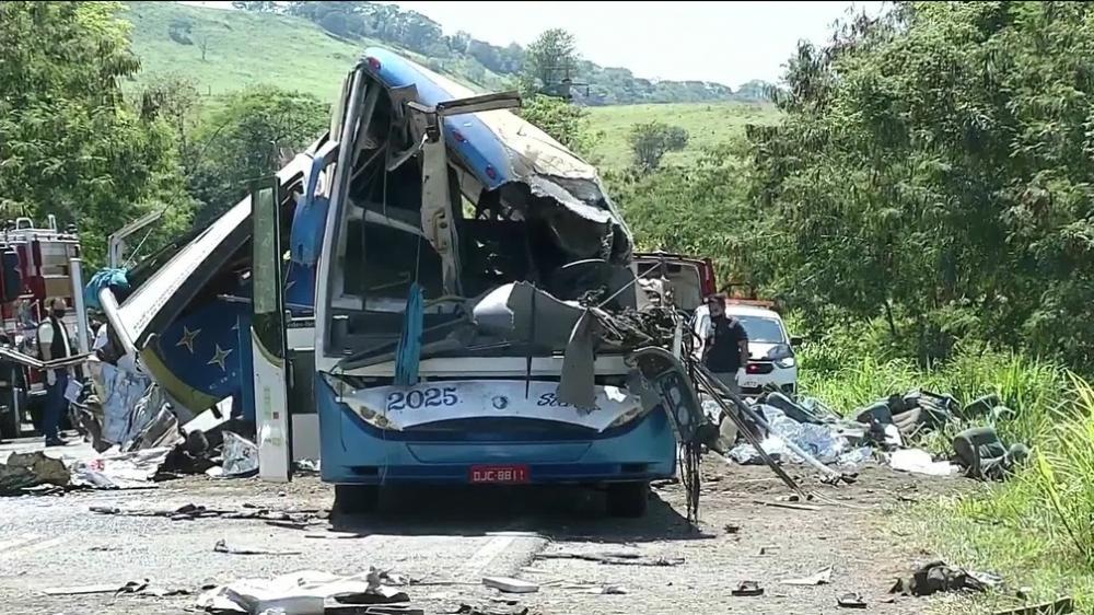 Morre a 42ª vítima do acidente de trânsito em São PauloMorre a 42ª vítima do acidente de trânsito em São Paulo