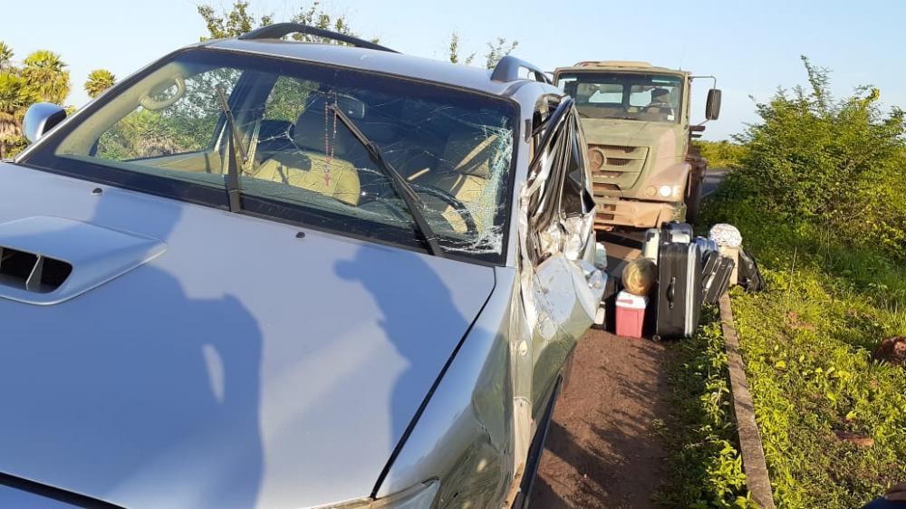 Caminhão do Exército e Pick Up se envolvem em colisão, no rodoanel de Esperantina