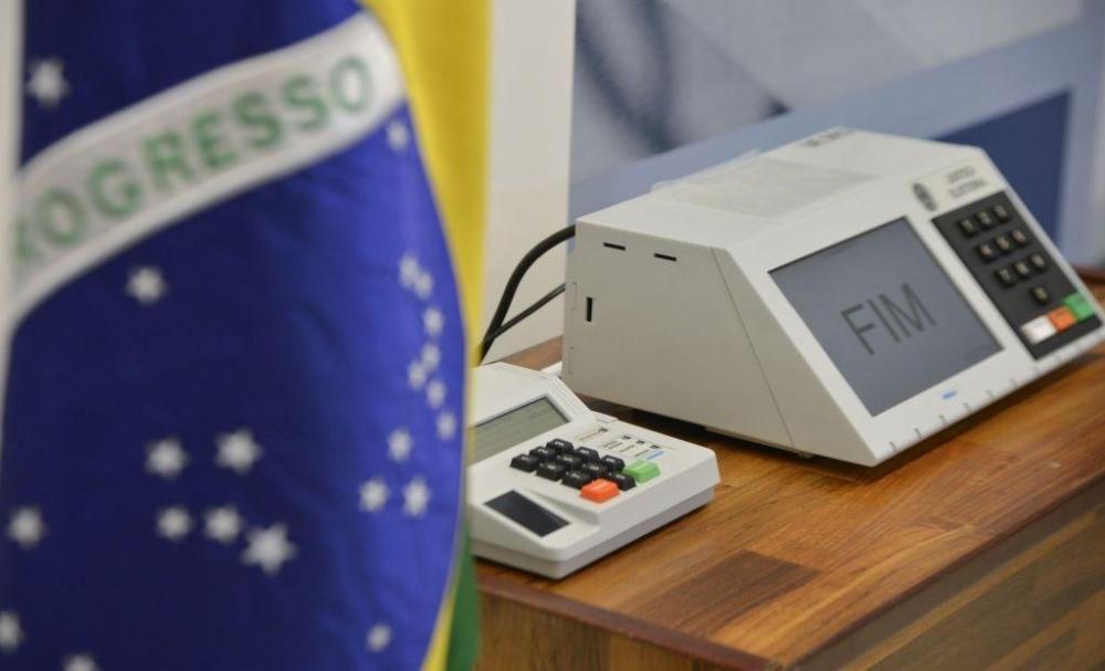 Pesquisa aponta que 56% dos brasileiros é contrária à obrigatoriedade do voto