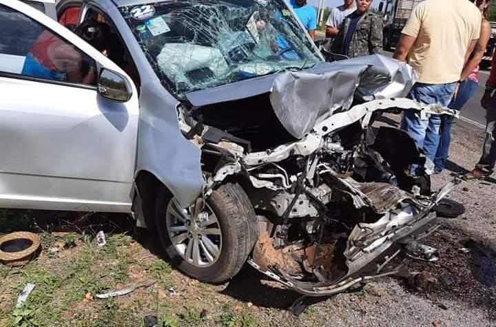Colisão entre carros deixa dois mortos e cinco feridos no Piauí