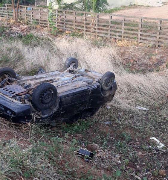 Cantor morre em grave acidente automobilístico na madrugada desta segunda-feira