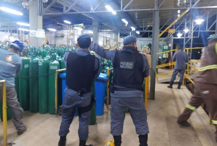 PT vai acionar STF para União abastecer o Amazonas com oxigênio em 24 horas
