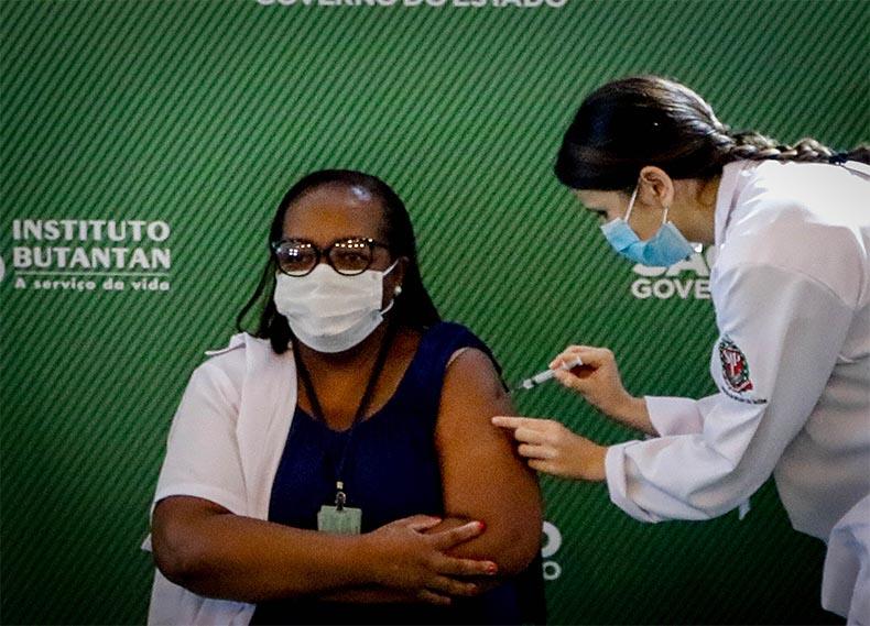 Piauí pode iniciar vacinação contra Covid na quarta (20), após aprovação da Anvisa