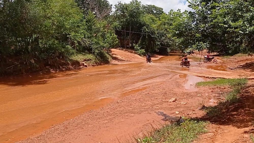 Mais de 100 famílias ficam totalmente isoladas por causa da chuva no Piauí