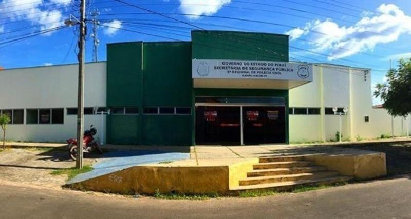 Surto de Covid entre servidores suspende atendimentos em delegacia de polícia em Campo Maior