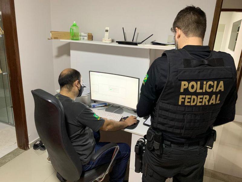Policiais identificaram hacker que estaria vendendo os dados por meio de suas redes sociais - (Foto: Divulgação/PF)