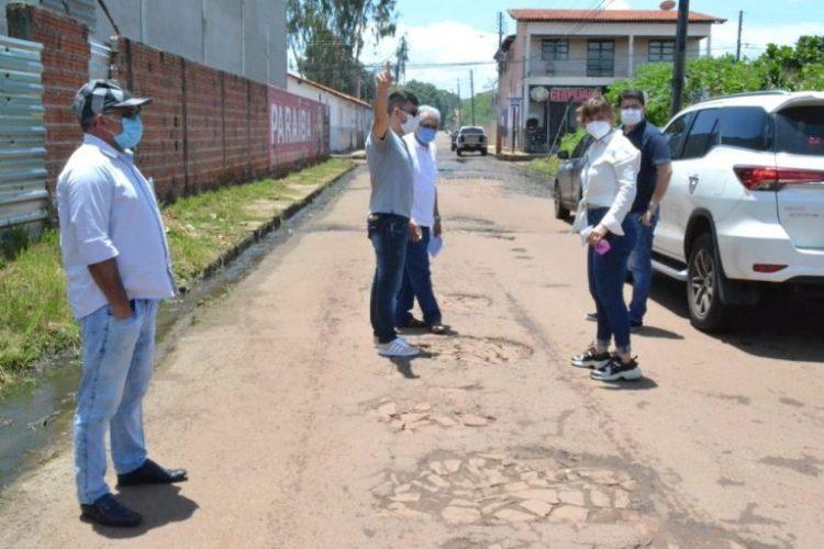 Prefeita anuncia obras e garante que todas as ruas de Esperantina serão asfaltadas ou calçadas