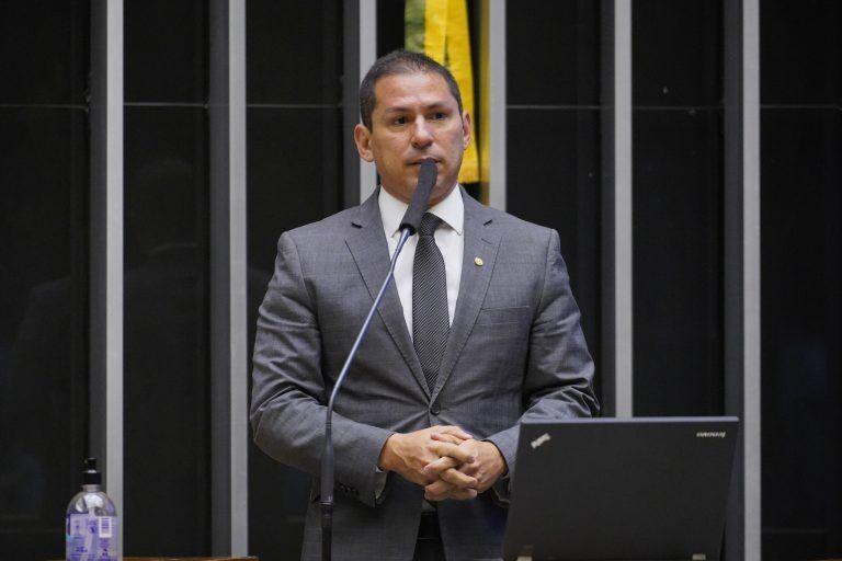 Segundo Marcelo Ramos, o projeto visa eliminar imperfeições existentes - (Foto: Pablo Valadares/Câmara dos Deputados)