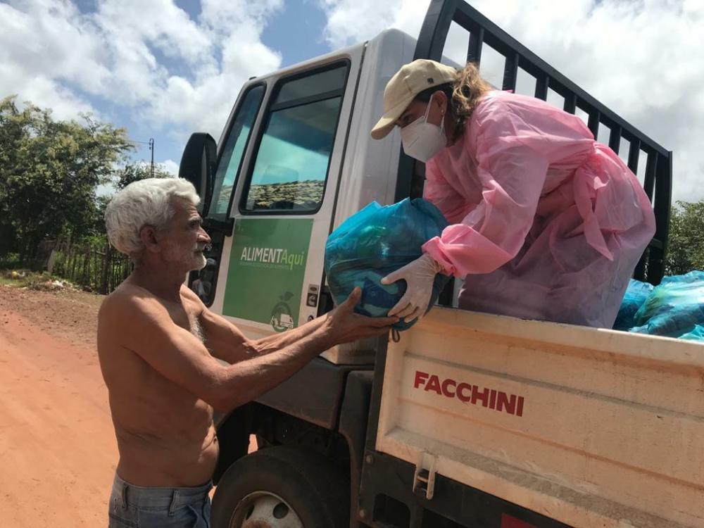 Prefeitura de Esperantina distribui 15 toneladas de alimentos