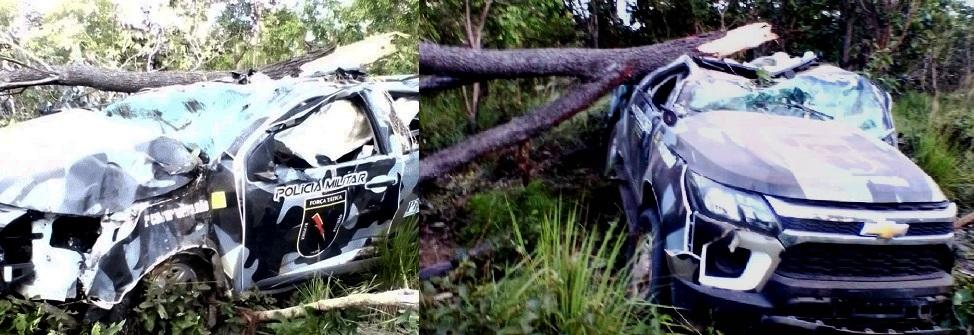Policiais ficam feridos após viatura sair da pista e colidir com árvores no Piauí
