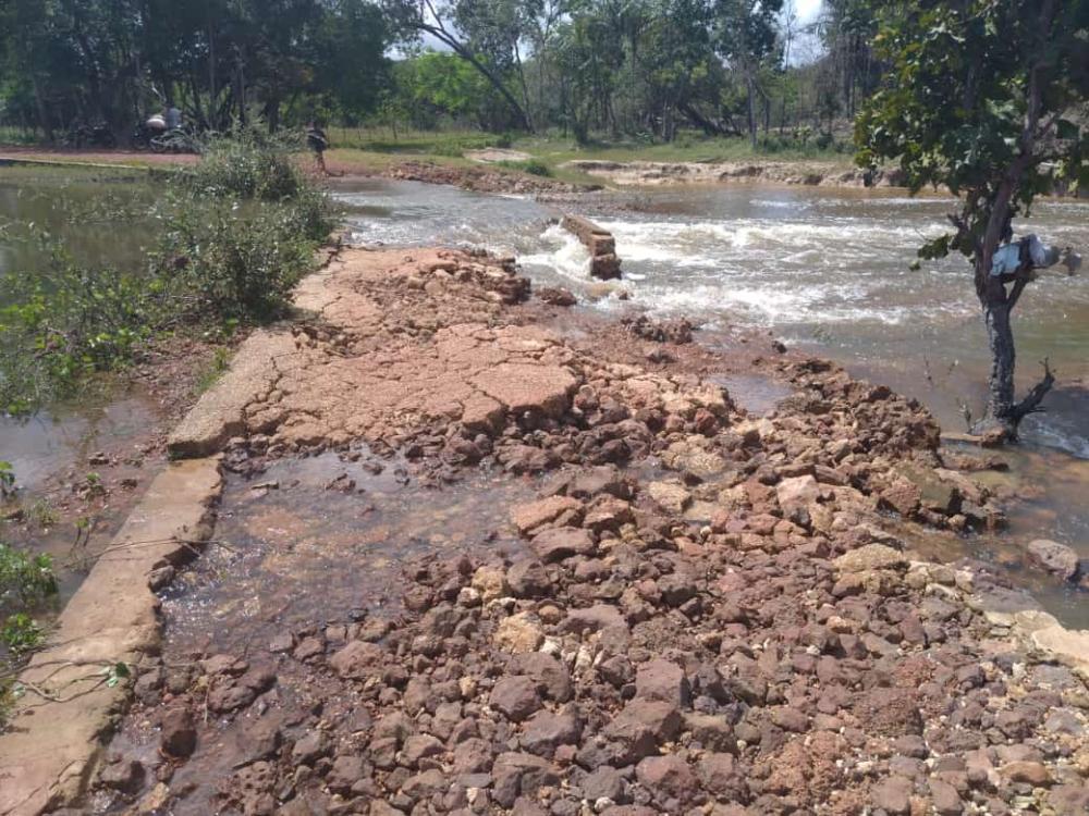 Parte de barragem desaba e comunidades podem ficar isoladas na zona rural de Barras