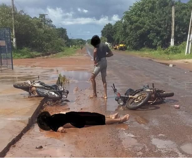 Barras: Homem sai ferido após colisão frontal entre motos na entrada do Jacurutu na PI 110