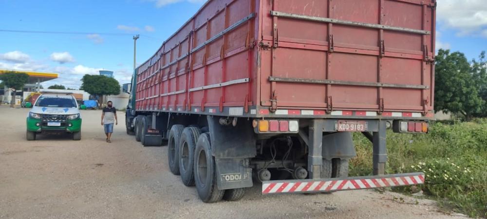 Caminhão roubado no Estado de Pernambuco é abandonado no Piauí