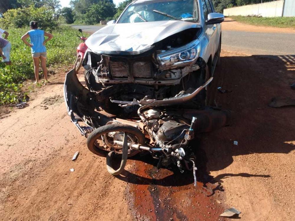 Grave acidente entre caminhonete e motocicleta deixa uma pessoa morta na PI-114 entre Cabeceiras e Campo Maior