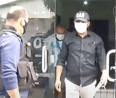 Suspeito de estuprar vizinho de 21 anos e filmar crime é preso pela Polícia Civil