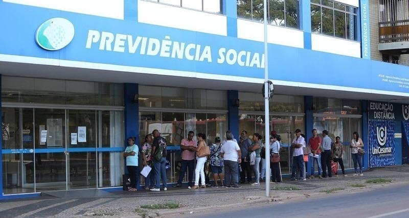 Governo diz que revisão total de aposentadorias vai aumentar filas do INSS