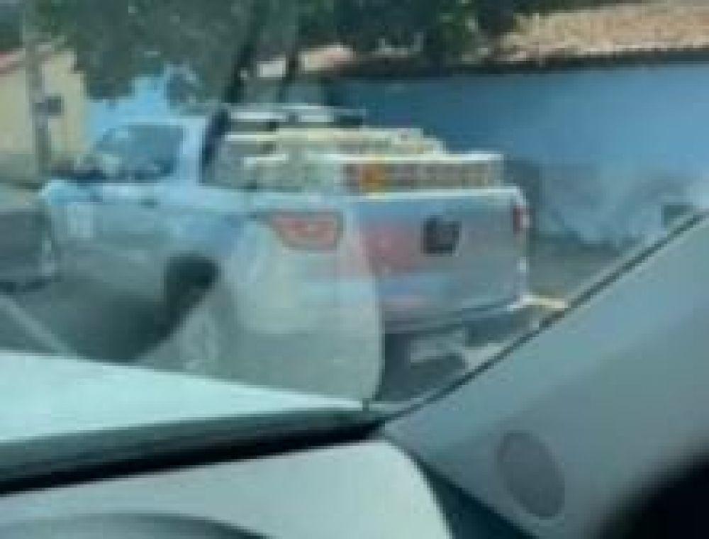 Carro de prefeitura de cidade do Piauí que era para transportar vacinas foi visto carregado com cerveja