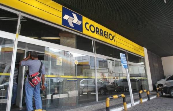 Correios lança edital de concurso com salário de até R$ 4,9 mil