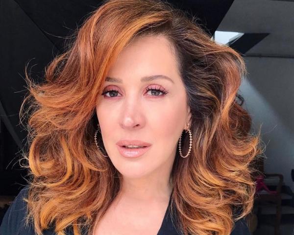Cláudia Raia diz ter perdido virgindade com namorado da irmã