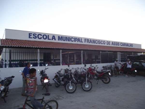 Começam as matrículas da rede municipal de ensino de Barras