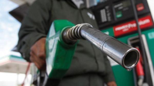 Acredite! Gasolina comum chega a R$ 4,95 no PI