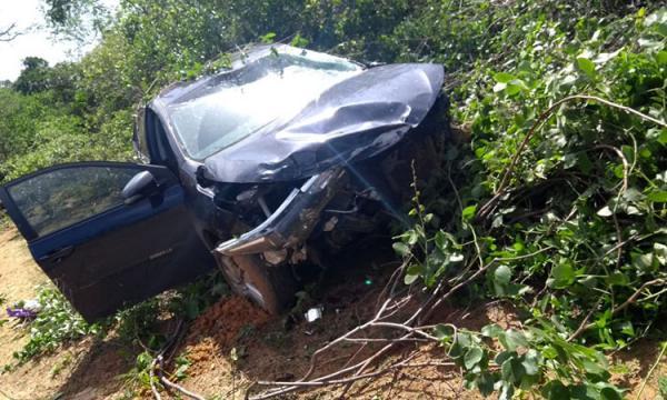 Médica desvia de animal e sofre grave acidente em rodovia no Piauí