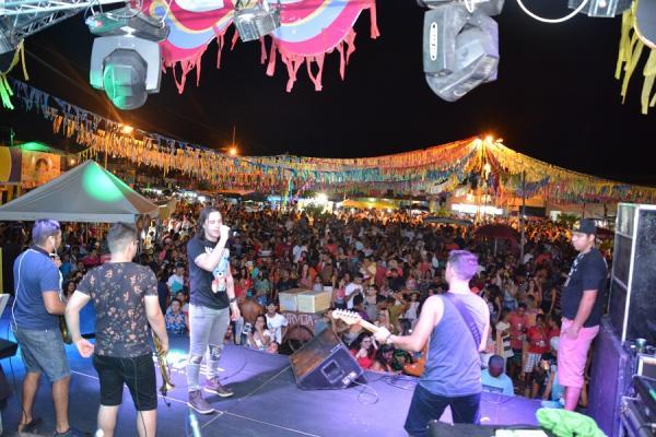 FOTOS: veja registros da segunda noite de Carnaval em Barras 2018