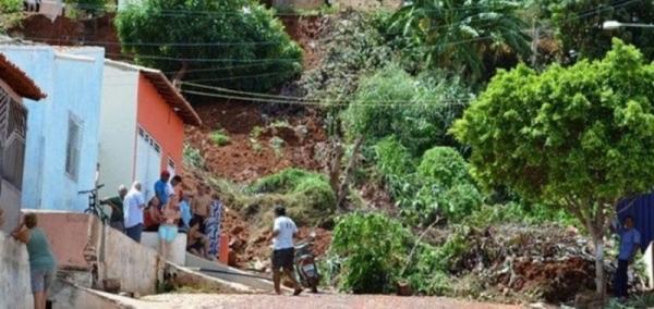 Defesa Civil alerta para riscos de desabamentos após chuvas em Picos PI
