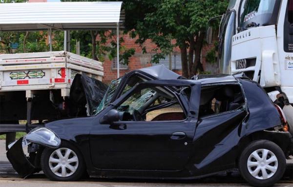 Três pessoas ficam feridas após acidente na BR 343 no Piauí