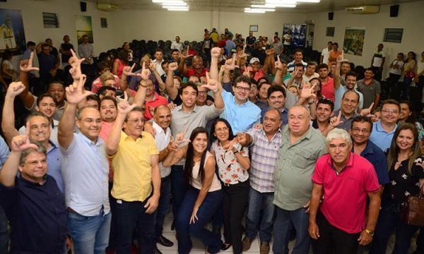 Oposição não espera Firmino Filho e se une em torno de Luciano Nunes