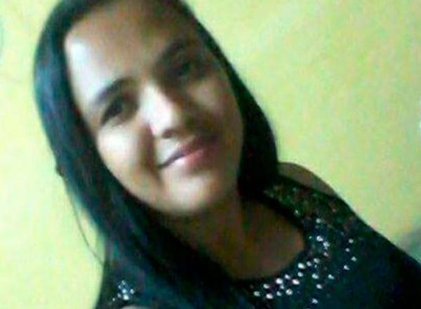Suplente de vereador é assassinada a facadas pelo marido no PI