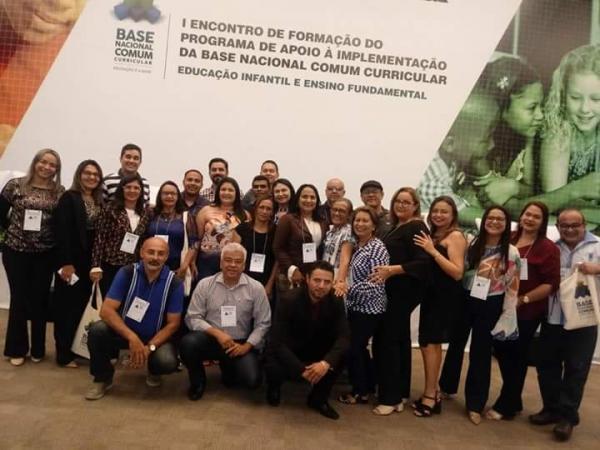 Educação de Barras PI em encontro nacional em Brasília DF