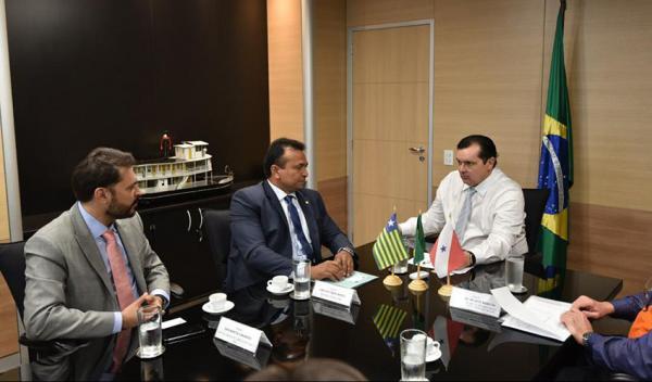 Ministro da Integração visita áreas alagadas no Piauí