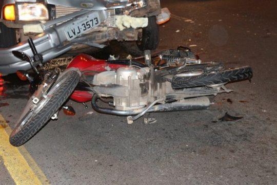 Jovem que foi arrastado por carro em acidente tem morte cerebral