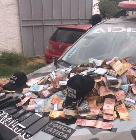 PMs acusados de roubar R$ 300 mil que sumiram de assalto foram soltos pela Justiça
