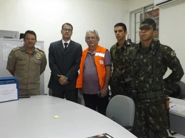 Prefeitura, Órgãos da sociedade civil organizada unidos em prol dos desabrigadas em Barras