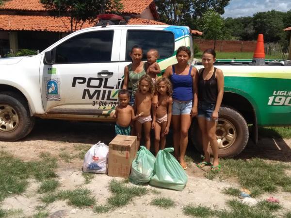 Polícia Militar em Barras PI faz doação ás vítimas das enchentes