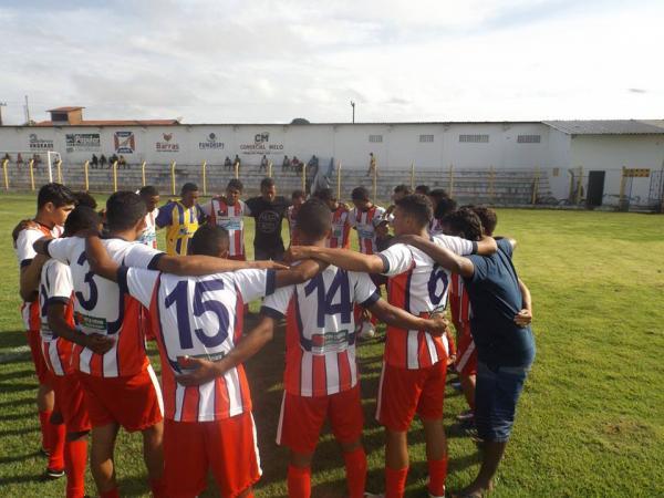 Copa Anísio Ramos segue com sucesso no futebol amador em Barras PI