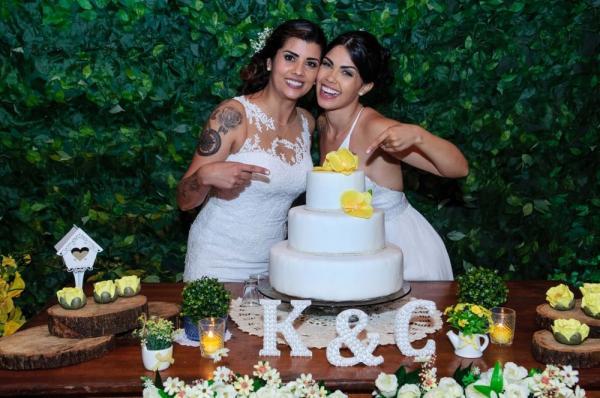 Bailarina do Faustão Karina Barros se casa em MG