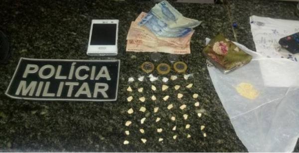 Fugitivo da Delegacia de Barras  é preso com 42 pedras de crack em Cabeceiras