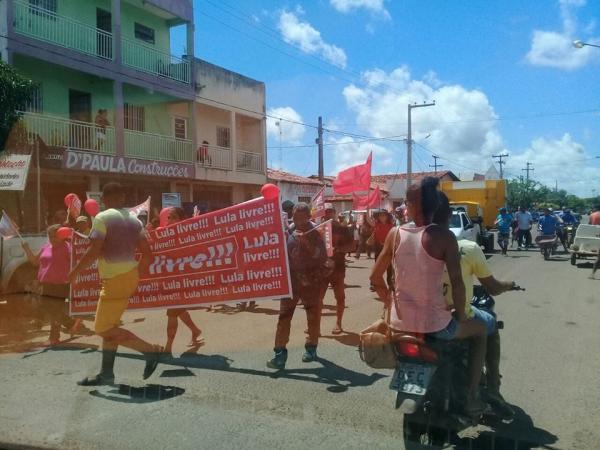 Caravana 'Lula Livre' é esvaziada e se torna uma grande frustração