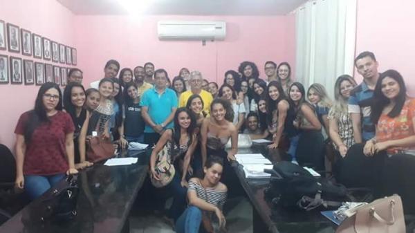 Universitários do ICF em Teresina fazem relatório sobre serviços essenciais
