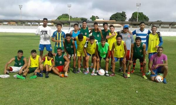 SCFV promove I Oficina de futebol para os jovens de Barras PI