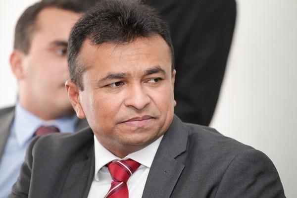 Deputado Fábio Abreu cobra do ministro dos Transportes propostas para o aeroporto de Teresina PI