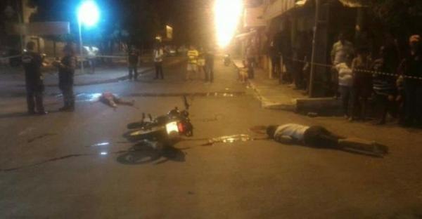 Dois momens foram assassinados a tiros no bairro Promorar, na zona Sul de Teresina.