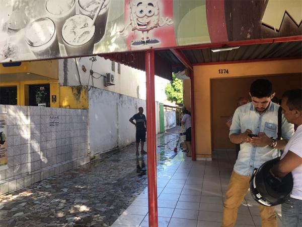 Homem morre esfaqueado em pastelaria no centro da capital Teresina PI