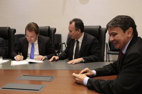 Governo firma parceria com INSS para evitar irregularidades e fraudes